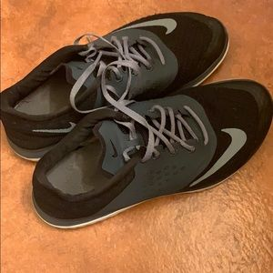 Nike shoes 👟 🖤🤍